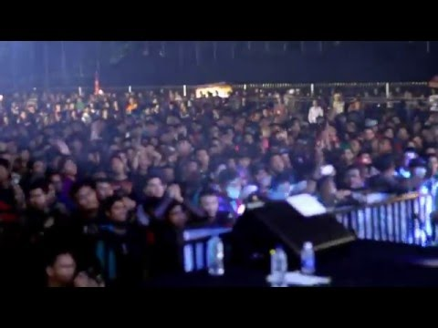 Rocket Rockers - Ingin Hilang Ingatan (Live at Lap Tegalega Bandung)