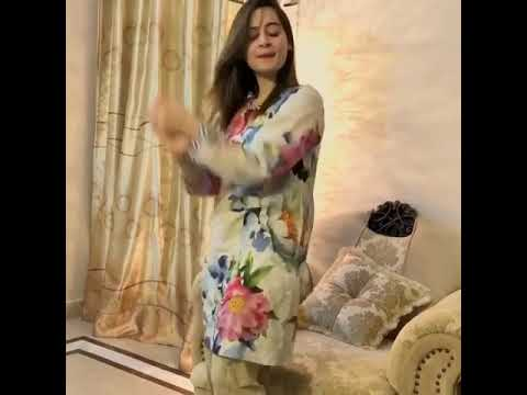 Aiman Khan And Minal Khan Dance On Her Birthday Celebration 2017