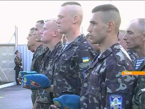 Смотреть Герои не умирают: Во Львов привезли 11 гробов с телами погибших солдат АТО онлайн