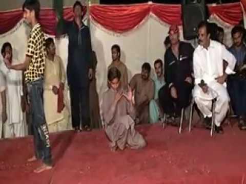 Me Teku Itna Pyar Karesan - Beautiful  Dance Performance