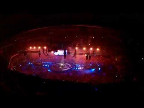 MUSE - Plug In Baby (Live @ BarclayCard Center, Madrid) - Drones World Tour