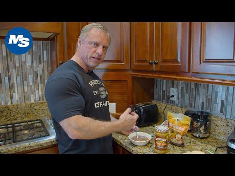 What Pro Bodybuilders Eat for Breakfast   Breakfast & PWO w/ John Meadows