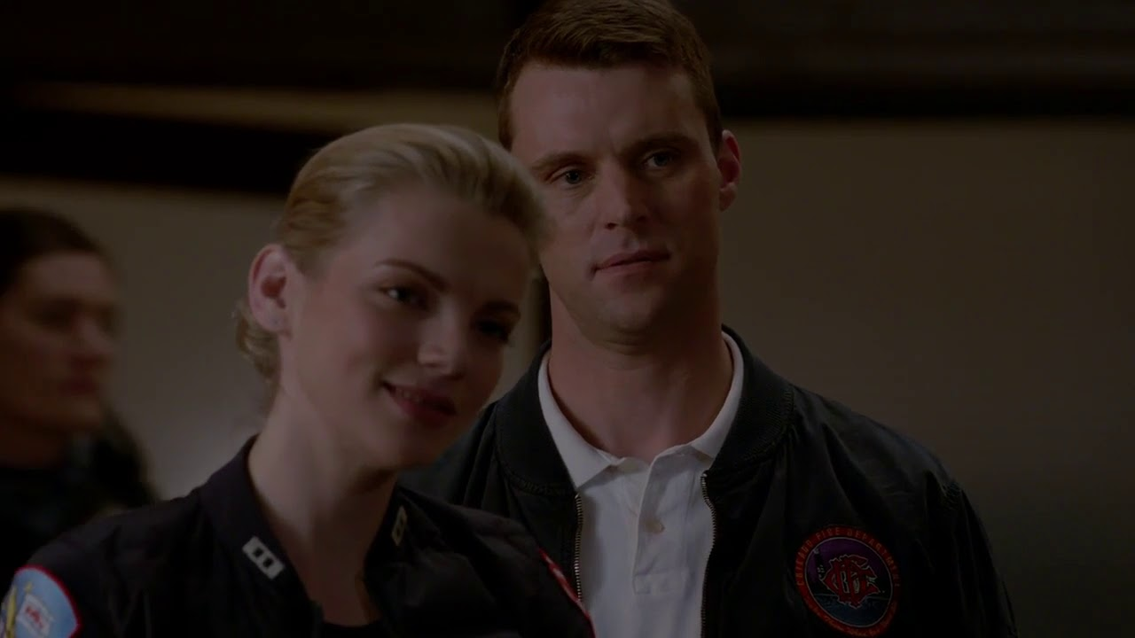 Download Chicago Fire 7x19 - Casey picks up Brett from 21st District