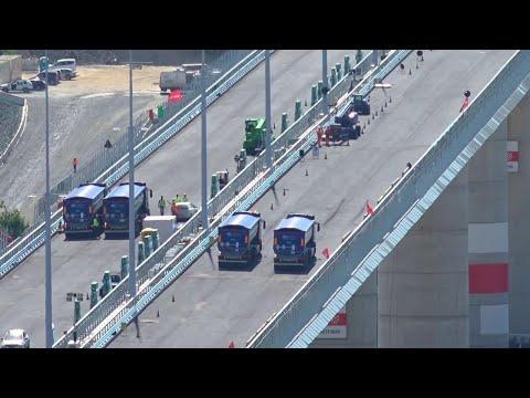 Genova, via al collaudo del nuovo ponte: test sul viadotto con camion a pieno carico