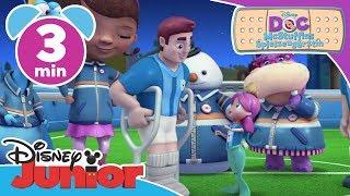 Melinda spielt Tischfußball - Doc McStuffins | Disney Junior Kurzgeschichten