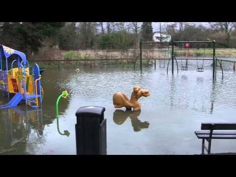 Floods Get Close to LOndon