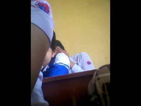 quay lén ngủ gục trong tiết học ...xxx (C6 - Trường THPT Số 1 Sơn Tịnh - Quảng Ngãi)