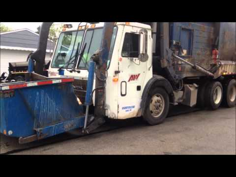 Garbage Trucks: The Best of 2015