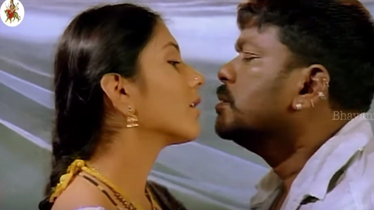 Parthiepan Gives A Deep Lip Lock Kiss To Namitha  Most -6708