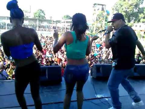 FICUCHU _ SHOW EN MACHALA_  LOS MUCHACHOS MUSIC