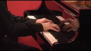 MOZART, Sonata K.331 - II. Menuetto (Alberto Lodoletti, piano)