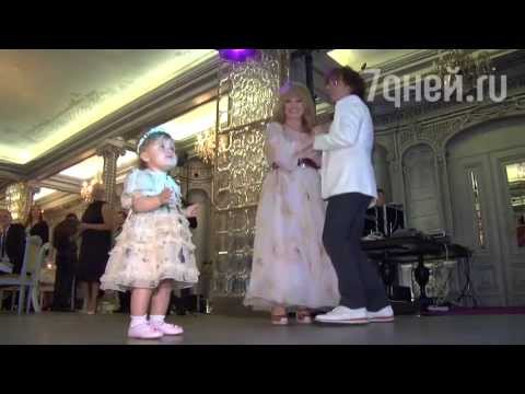 День рождения Кристины Орбакайте: танцы Аллы Пугачевой с внучкой, поздравления от гостей - Ржачные видео приколы
