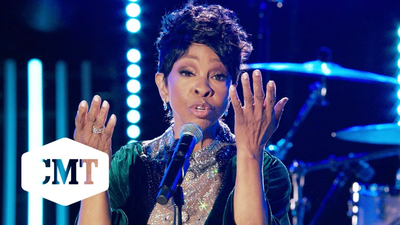 """Gladys Knight Performs """"Roll On Mississippi"""" 