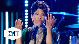 """Gladys Knight Performs """"Roll On Mississippi""""   CMT Giants: Charley Pride"""
