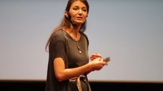 Co mi přinesl synův autismus | Barbora Chuecos | TEDxPragueWomen