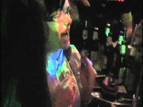 imperija karaoke - pjevaju cure iz 4b DERVENTA.avi
