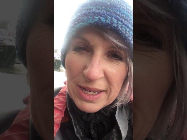 Choir leader in a kayak episode 9