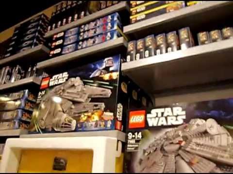 Lego store Westfield Stratford - YouTube
