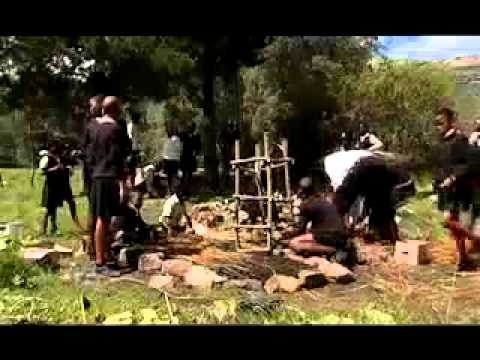 Lesotho Video   How to Make a Keyhole Garden   African style