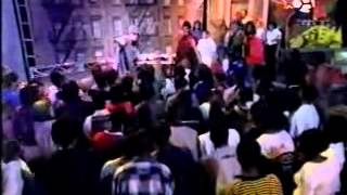"""Whateva Man/Thats How It Is""  Redman Live Performance at Teen Summit 1996"