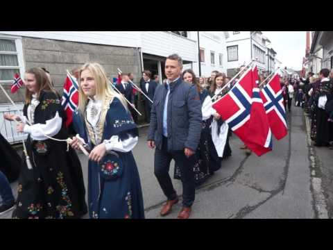 Barnetoget i Egersund. 17. mai 2017.