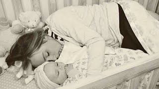 After This Mom Climbed Into The Crib With Her Baby, She Shared The Heartbreaking Reason Why