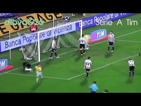 Edinson Cavani's 33 goals of 2011/2012 in 3 minutes