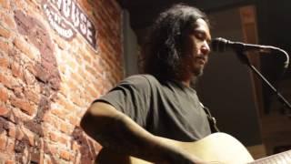 Lagu Pejalan - Sisir Tanah Live at Earhouse