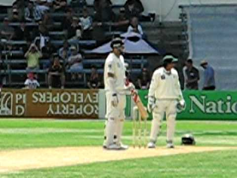 Dan vettori 100 against pakistan