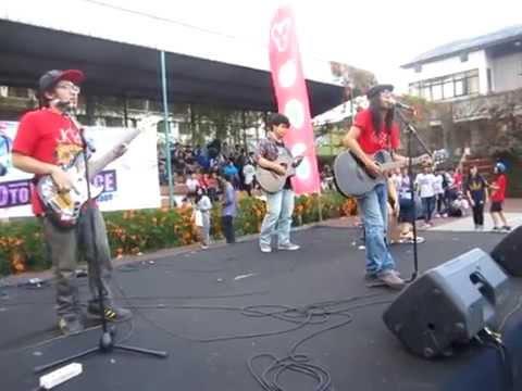 Suifu wa Arashi ni Yume wo Miru - Rangga Pranendra and The Goddamn VVota at #YupiConcert Bandung