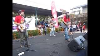 Suifu wa Arashi ni Yume wo Miru Rangga Pranendra and The Goddamn VVota at YupiConcert Bandung