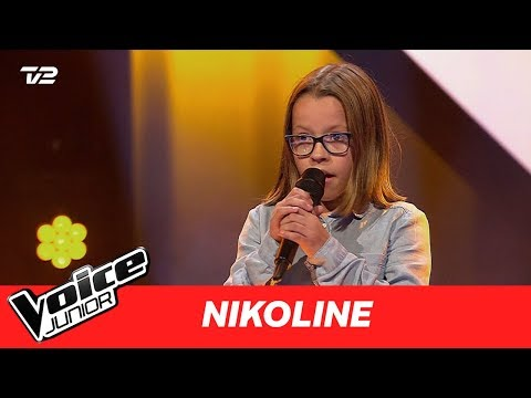 "Nikoline | ""Legohouse"" af Ed Sheeran | Blind 1 | Voice Junior Danmark 2017"