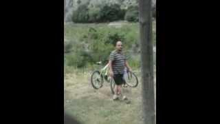 rasprodazba na velosipedi na emigrantite(Го направив ова видео со помош на Создавачот за слајдшоу на YouTube (http://www.youtube.com/upload), 2015-06-10T17:12:29.000Z)