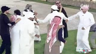 لعب الشباب على شيلة أنا كويتي وأحب سعودية | #حياتك44