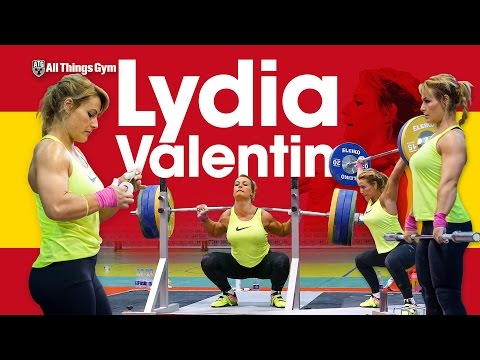 Lydia Valentin Training Hall at 2017 Europeans: Power Snatch, Power Clean, Back Squats
