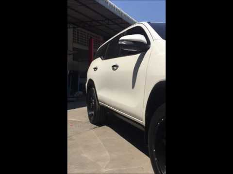 Toyota All New Fortuner  บันไดข้างสไลด์อัจฉริยะ E-BOARD