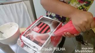 Decorando bolo do Flamengo