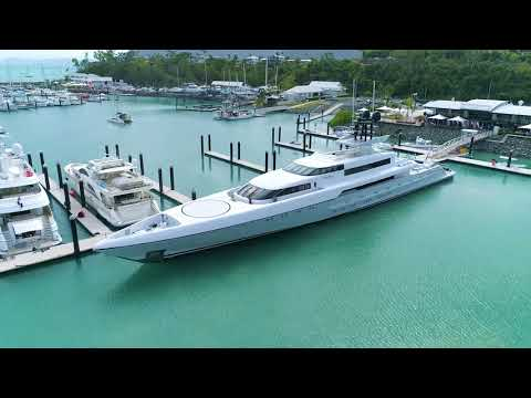 Abell Point Marina | Superyacht arrival MY Dragonfly