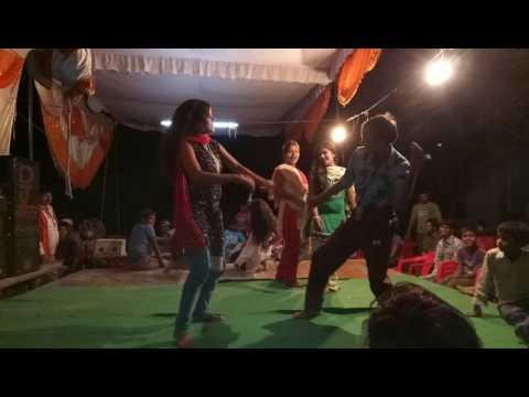 Gaon ka badiya dance....😂😂😂😂