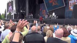 Level 42 - Lessons in Love (Live in Pori Jazz 2013)