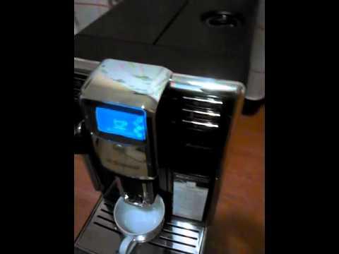 ce8298d14501 prezentacja ekspresu saeco incanto HD8911 09 - YouTube
