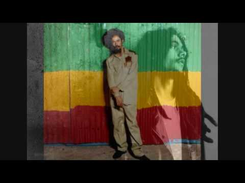 Damian Marley-Holiday