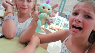 Fingerlings Baby Monkeys by Wowwee