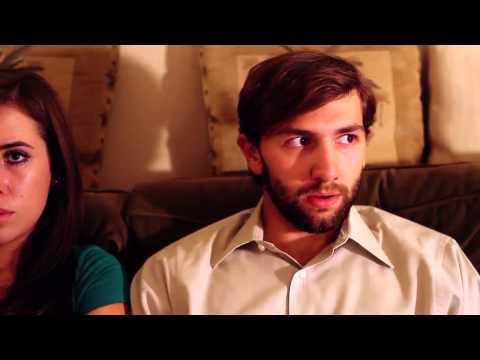 Короче Говоря (Long Story Short) - Я пригласил девушку посмотреть фильм