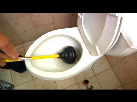 Toilet Plunging Techniques : Plumbing Tips - YouTube