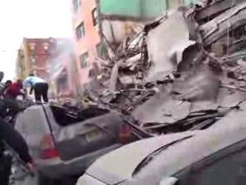 Spanish Harlem Explosion - Citizens risk lives to save boy