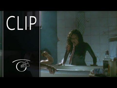 Download La lengua asesina - Clip 3