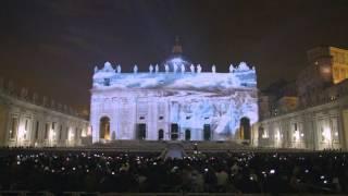 サンピエトロ大聖堂に投影された美しい動物たち。巨大プロジェクトマッピングで見る地球の生態系