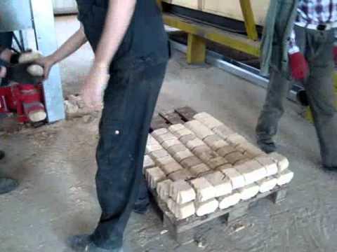Hydraulic Wood And Biomass Brick Press