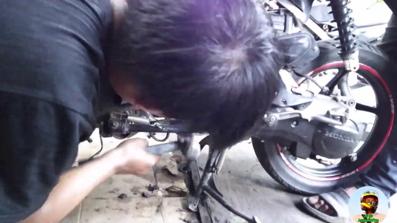 Time Lapse     Proses Rakit Motor Vario Karbu